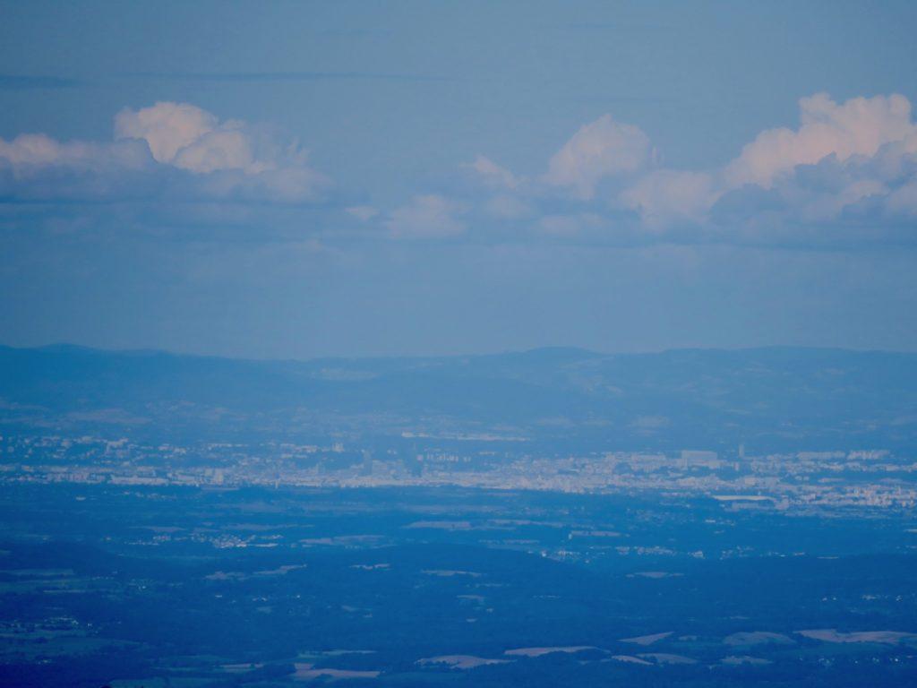 Lyon, au loin