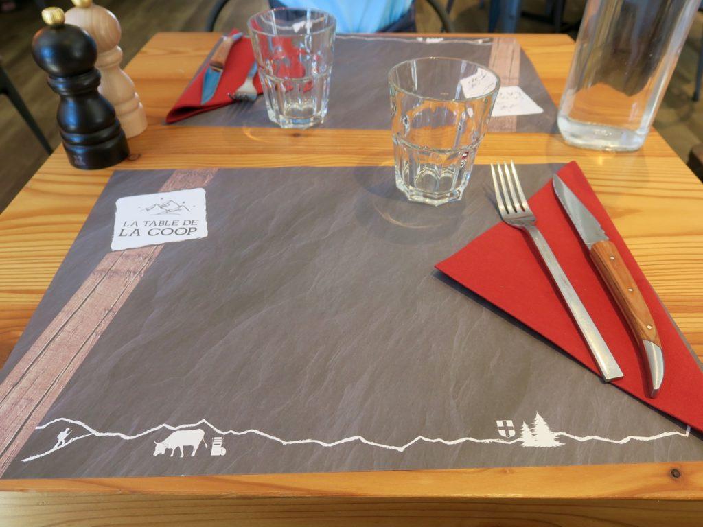 Table de la Coop