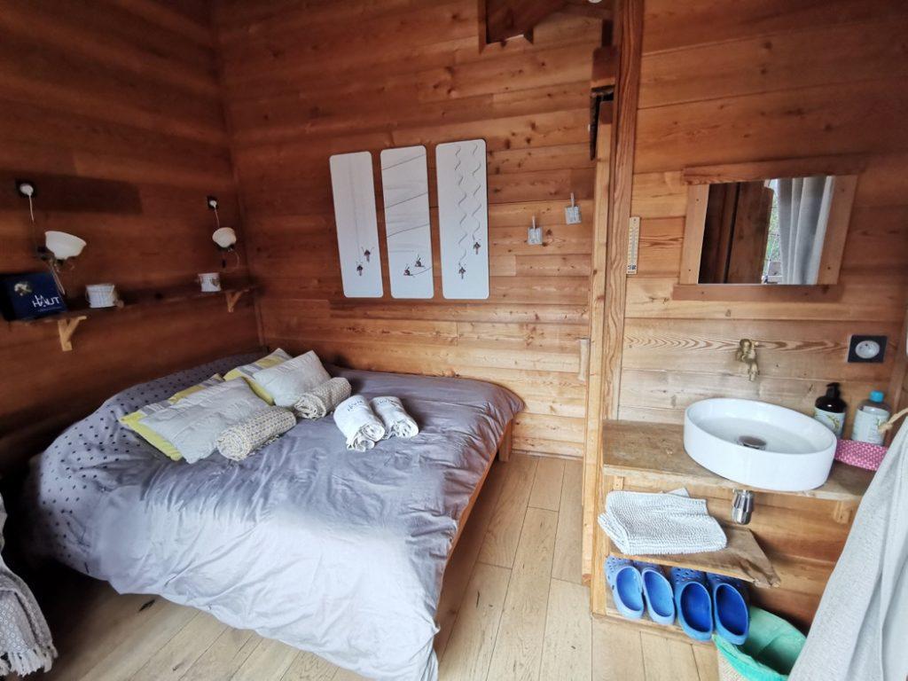 intérieur de la cabane perchée