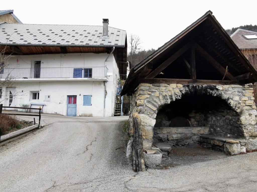 accès aux cabanes perchées